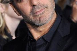 Model Jas Pria Terbaru dari Aktor George Clooney