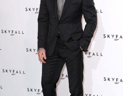 Jas Pria dalam film James Bond Skyfall